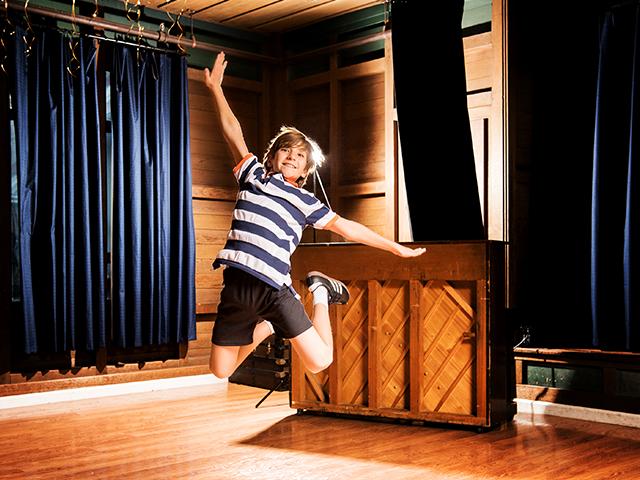 1484851439475_Billy Elliot Show Image 1.0_004