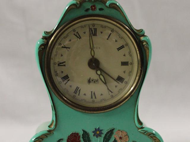 MoulinRouge_Clock