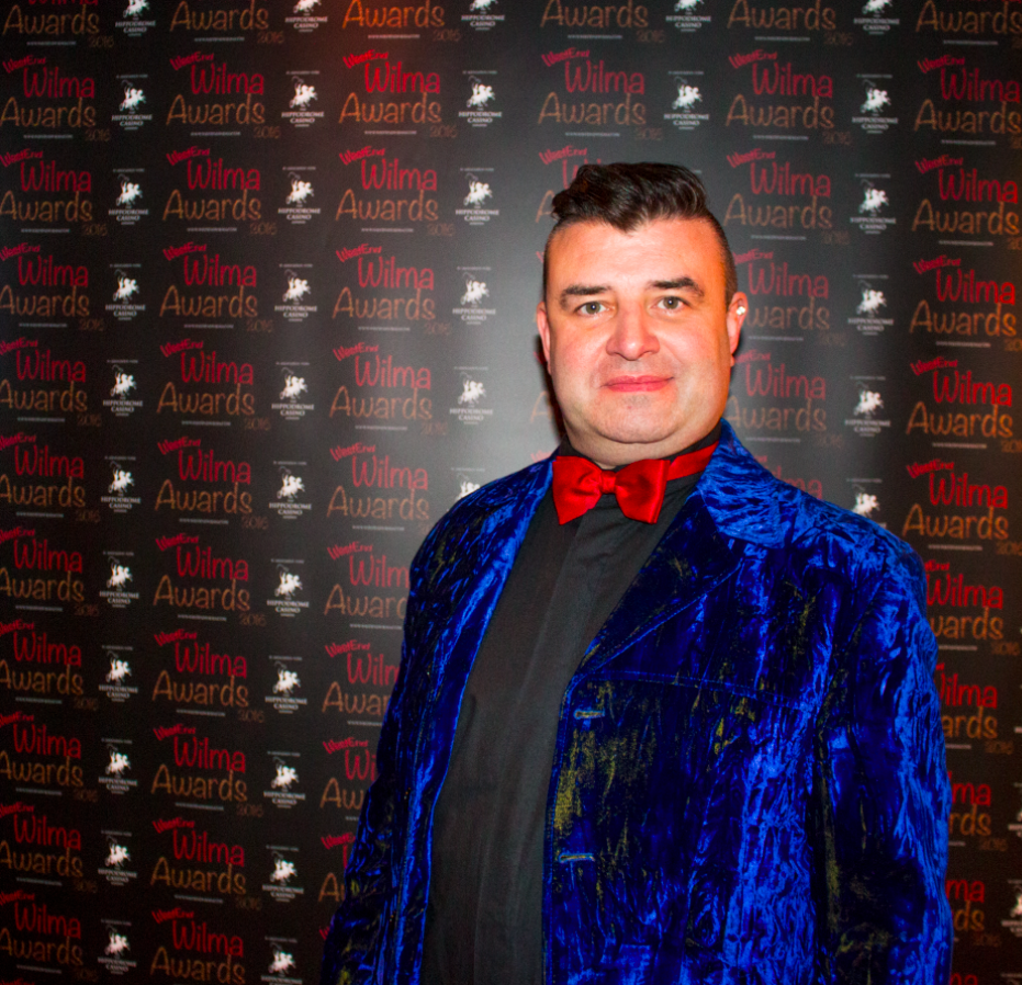 The fabulous Tim McArthur, host of the Curtain Up Show was the master of ceremonies, looking all kinds of dapper in blue velvet.